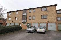 Apartment in Robins Close, Cowley...
