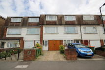 Town House to rent in Atkinson Road...