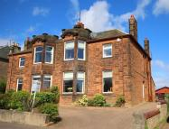 Semi-detached Villa for sale in Western Avenue, Perth