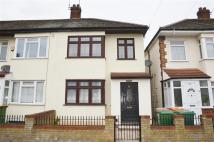 2 bed End of Terrace home in Holland Road, Stratford...