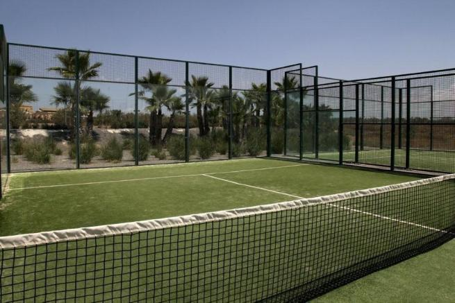 Paddle Courts
