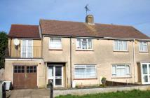 4 bed semi detached house in Cavendish Drive, Marston...