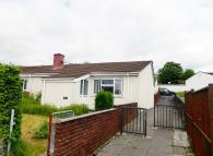 Bungalow for sale in Ystrad Deri, Tredegar...