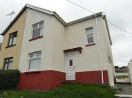 3 bed semi detached home in Vale View, Maesycwmmer...