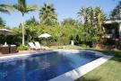 Villa in El Paraiso, Estepona...
