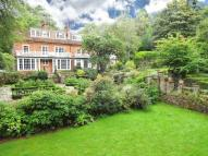 2 bedroom Flat for sale in Farnham Lane, Haslemere