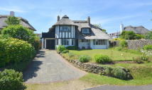 4 bed Detached property for sale in Third Avenue, Felpham