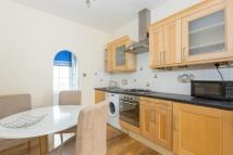 Flat to rent in Danbury Street, London...