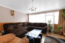 3 bedroom house in Bradstock Road, London...