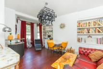 3 bedroom Flat in Pembury Road, London, E5