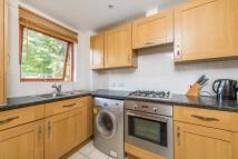 1 bed Flat in Rendlesham Road, London...