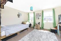 3 bed home to rent in Edmeston Close, London...