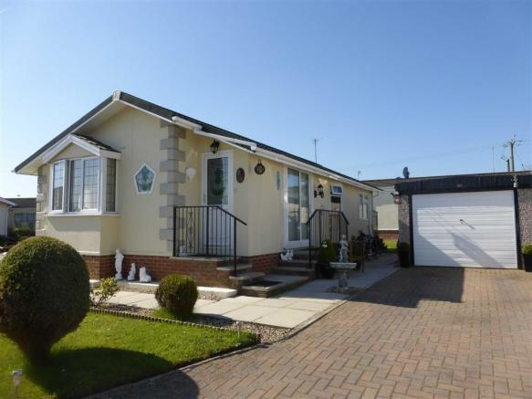 2 Bedroom Park Home For Sale In Farm Nantwich Cheshire