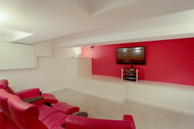 Cinema Room/Play Roo