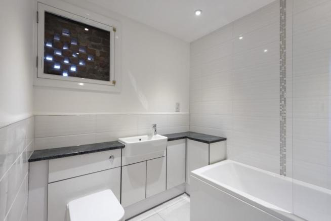 Family Bathroom (For