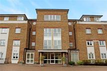 3 bed Flat in Lady Aylesford Avenue...