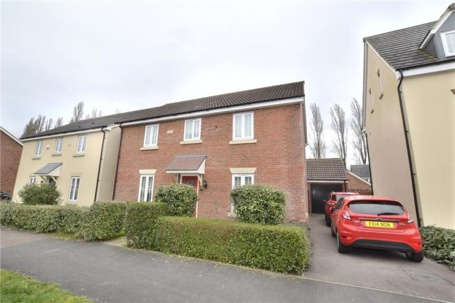4 Bedroom Detached House For Sale In Staxton Drive