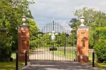 10 bedroom Country House in Winkfield ParkWinkfield...