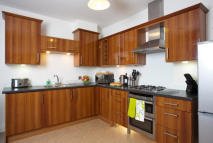 Apartment to rent in Central Yeovil, Someret