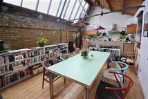 2 bedroom Terraced property in Oaklands Mews, London