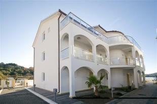 Tivat, Apartments
