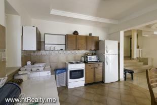 Apartment 235-9