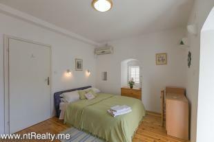 Cottage 260-11
