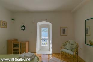 Cottage 260-12