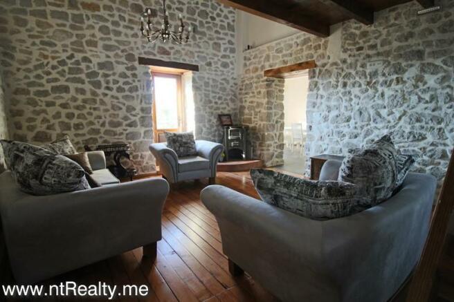 Cottage 189-7