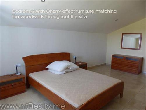 Mrkovi, Villa 48-7