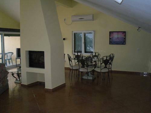 Krasici Villa 17-9