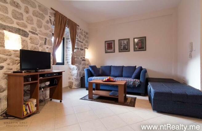 Apartment, Dobrota
