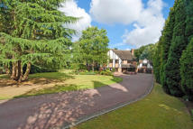 4 bedroom Detached home in Cedar House...
