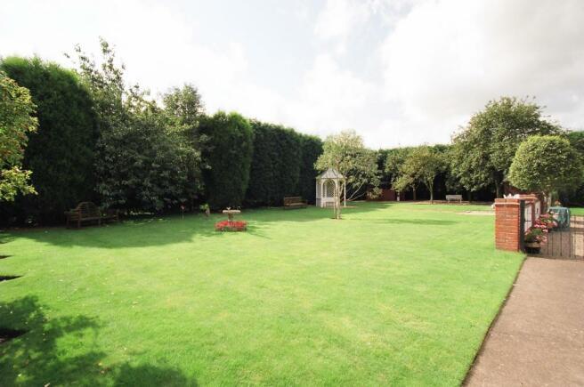 Brook Cottage rear garden.jpg
