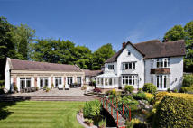 7 bedroom Detached house in High Beeches, Roman Road...