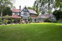 5 bedroom Detached home for sale in Wych Elms...