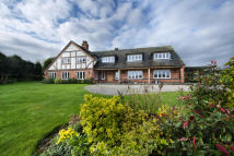 5 bedroom Detached property for sale in Roxley House...