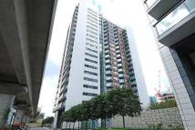 3 bed Apartment to rent in Blackwall Way...