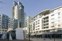 3 bedroom Apartment to rent in Long Lane, Borough...
