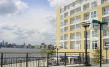 2 bedroom Apartment in Westferry Circus...