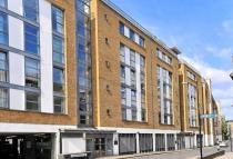 2 bed Apartment in Narrow Street, Limehouse...