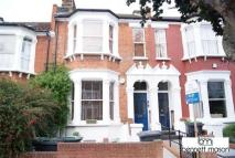 Inderwick Road Apartment to rent