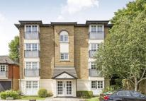 Flat for sale in Selhurst Close...