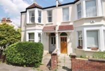 2 bed Flat to rent in Trentham Street...