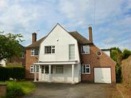 Detached home in Manor Close, OADBY...
