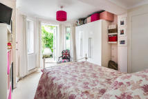 Maisonette in Ruskin Road, Carshalton...