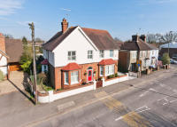 5 bed Detached home for sale in Chapel Road, Horley, RH6
