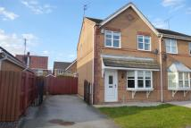 3 bedroom semi detached house to rent in Hemble Way, Kingswood...