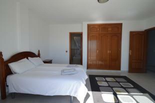 Master bedroom1 (2)