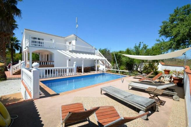 Main pool2